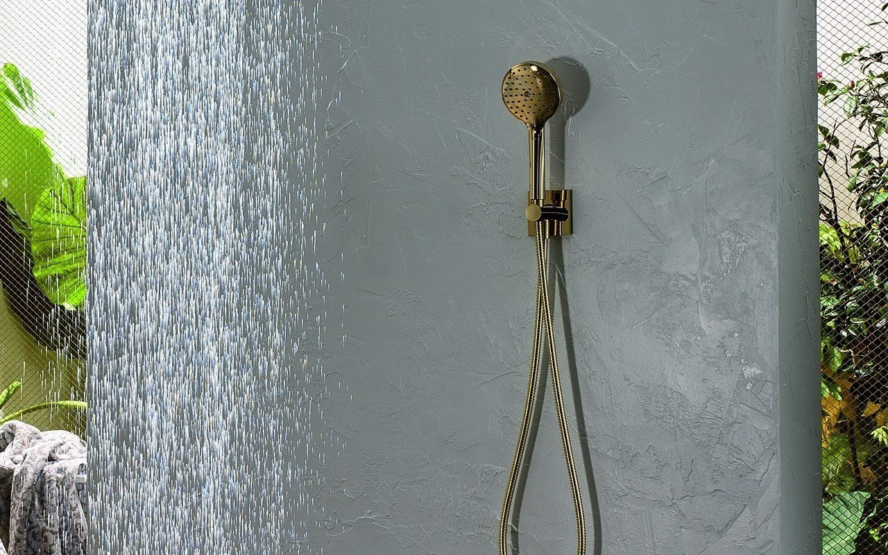 Aquatica Rd 250 Handshower With Holder And Hose In Gold