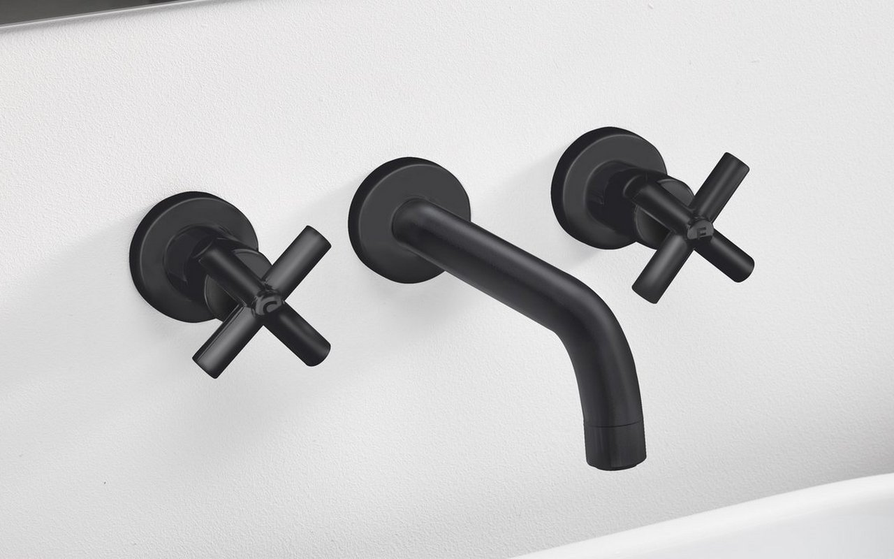 Aquatica Celine 242 Wall Mounted Sink Faucet Black 02 (web)