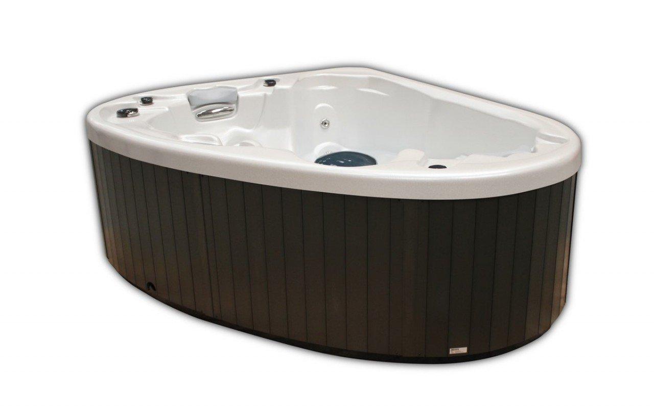 Aquatica Pearl Outdoor Hot Tub 02 (web)