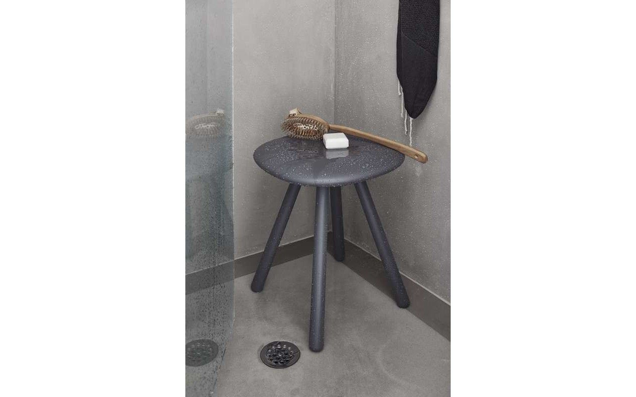 Beatrice Shower Cabin Stool 01 (web)