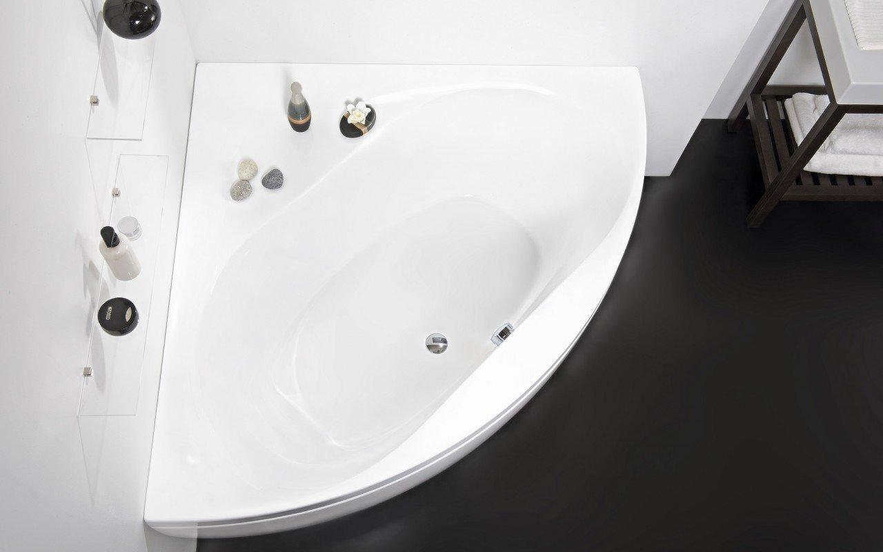 Olivia Wht Corner Acrylic Bathtub DSC2635