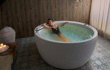 Aquatica pamela wht spa jetted bathtub web 22