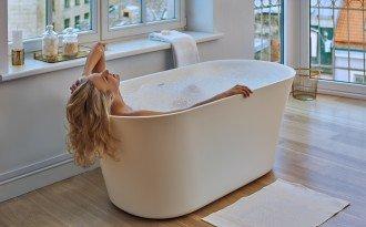 627722001483 aquatica tulip wht purescape 701m freestanding aquastone bathtub