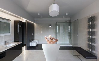 Emmanuelle Wht Freestanding AquaStone Bath new web (6)