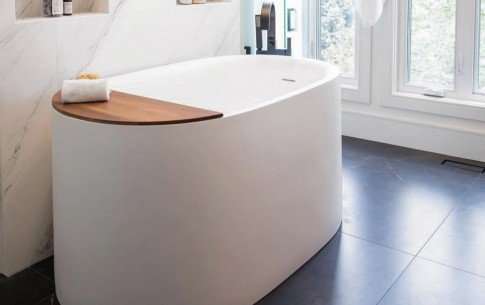 Guelph ontario aquatica sophia wht freestanding solid surface bathtub (web)