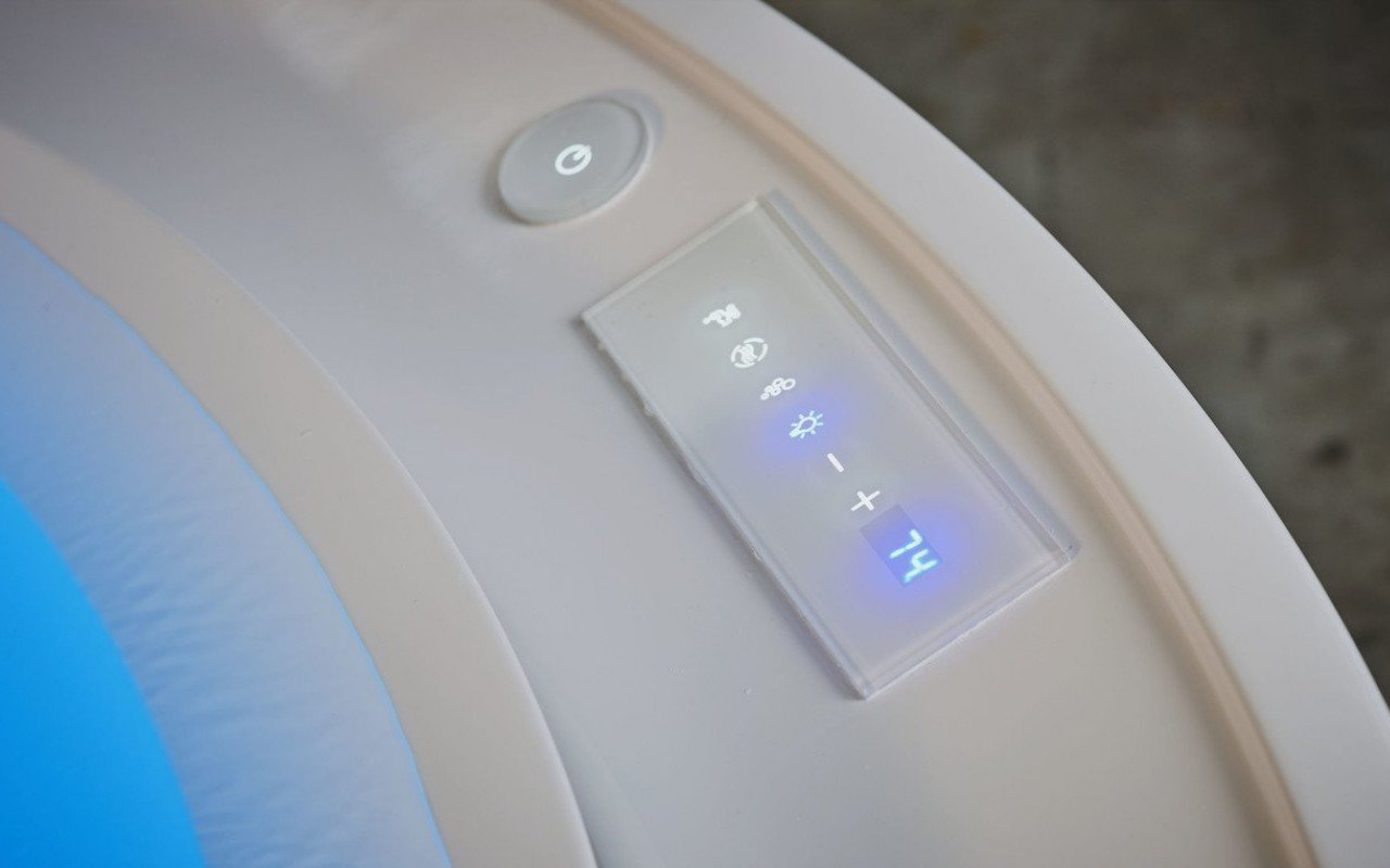 Aquatica Fusion Rondo HydroRelax Jetted OutdoorIndoor Bathtub US version 240V 60Hz 05 (web)