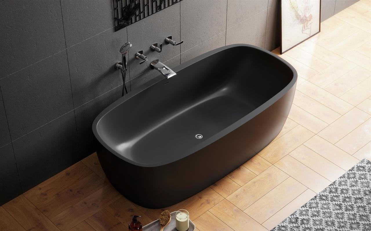 Coletta black a charming bathtub of contrasts (web)