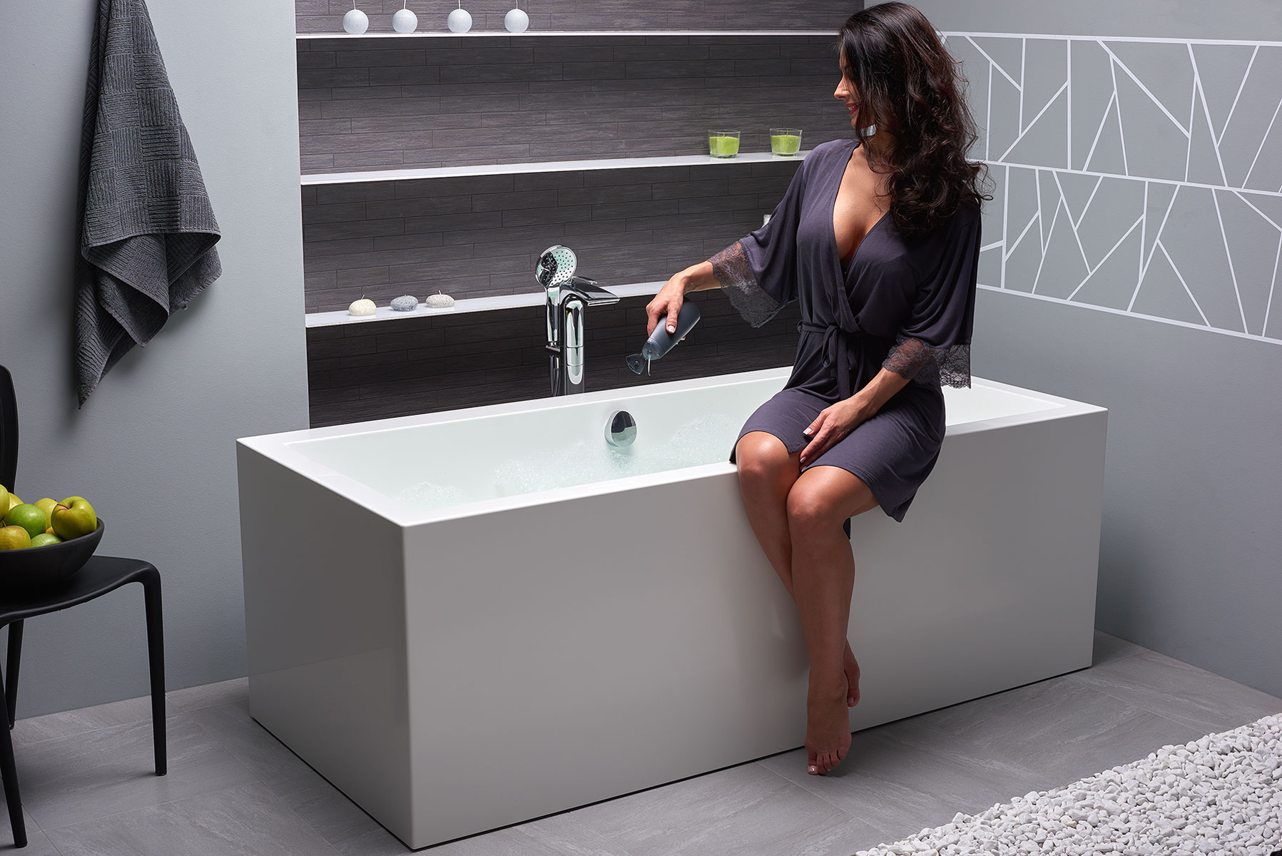Continental Wht Freestanding Solid Surface Bathtub by Aquatica web (1)