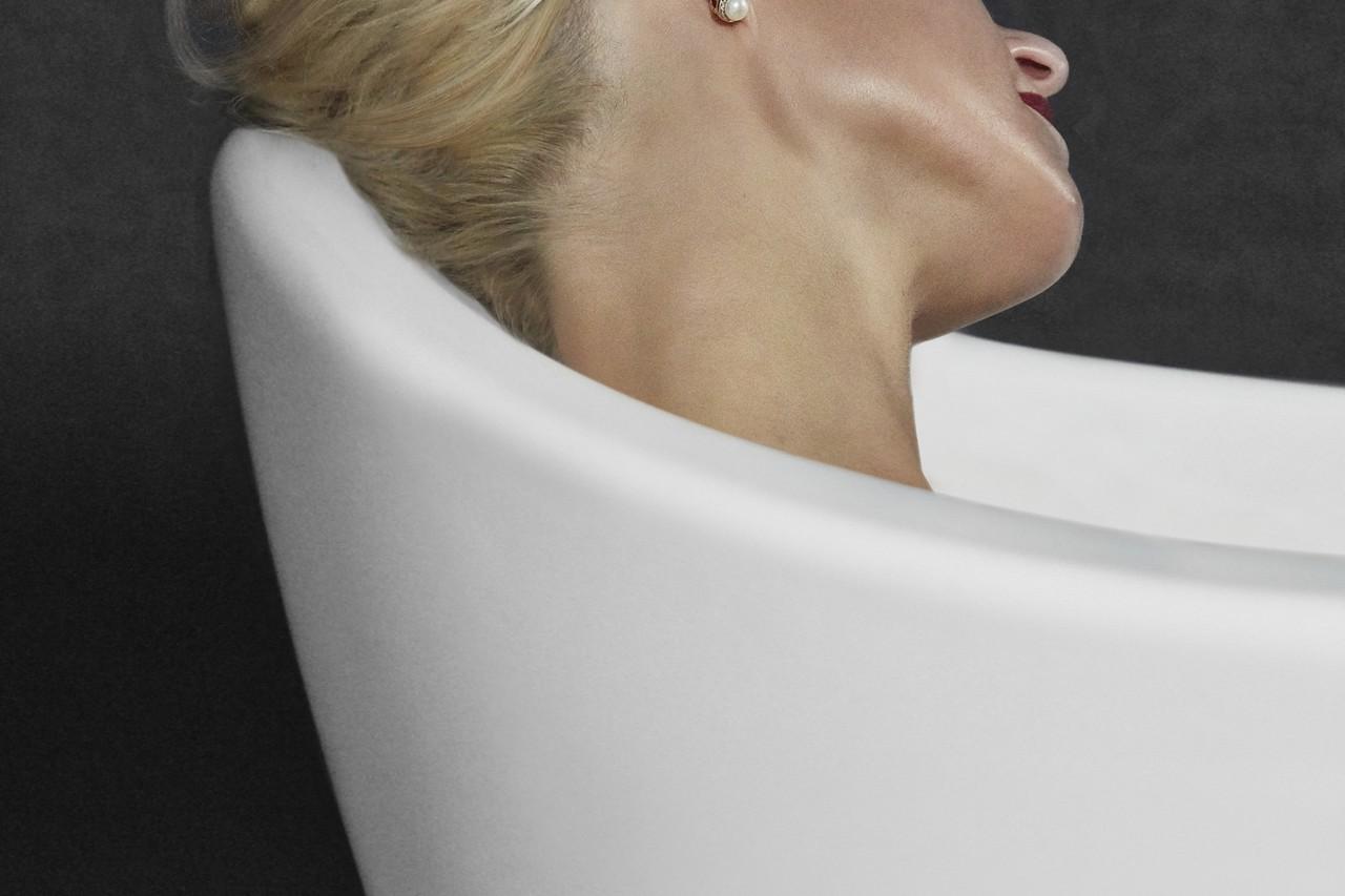 Emmanuelle 2 headrest (web)