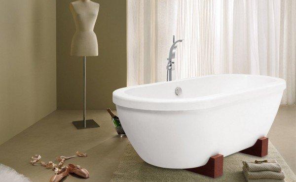 Ingenious bath towel storage in your bathroom for European bathtubs